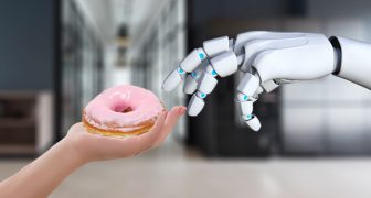 Robot hand and a donut for Semantic Analysis