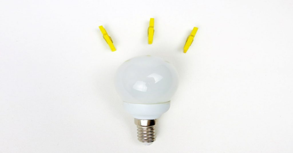 lightbulb with clips