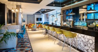 jurys inn bar